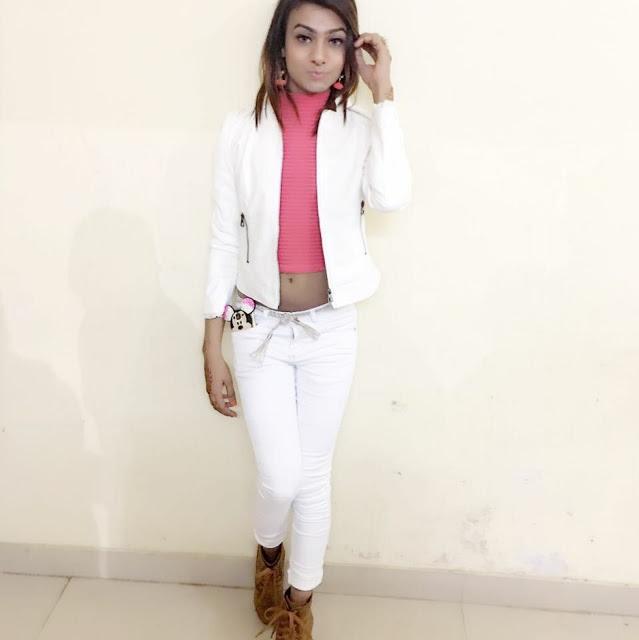 Boy Dressed As A Cute Indian Girl (11.9)