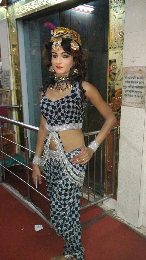 Boy Dressed As A Cute Indian Girl (2)