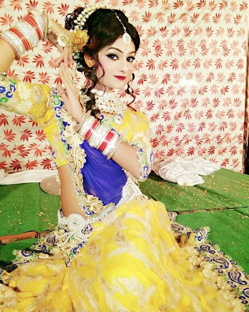 Boy Dressed As A Cute Indian Girl (4)